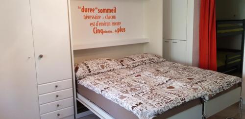 Lit armoire